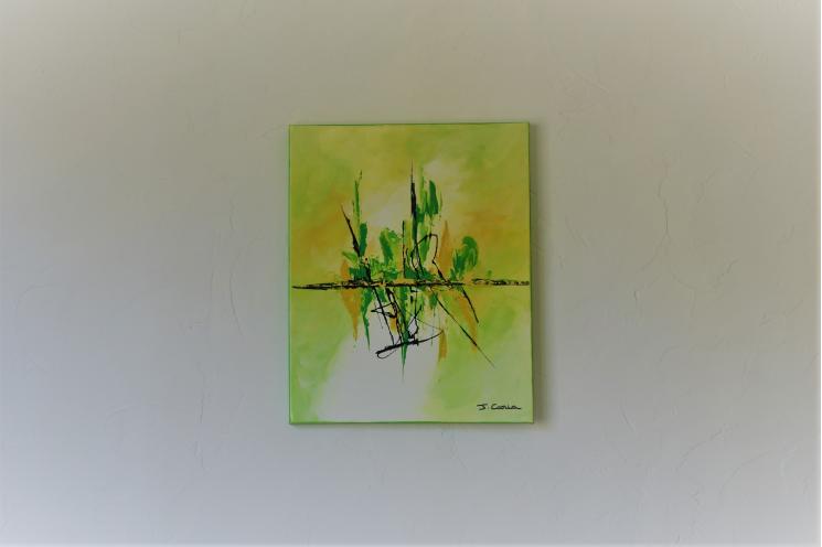 Déco vert anis avec un tableau moderne : Un brin de candeur