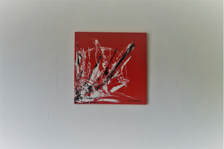 Objet déco rouge avec le tableau moderne : L'art du bonheur