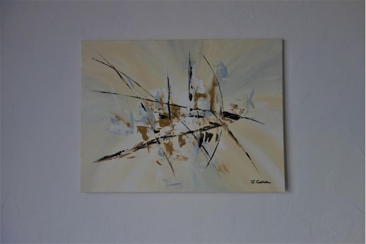 Déco  beige clair avec une toile moderne : Ambiance cocooning